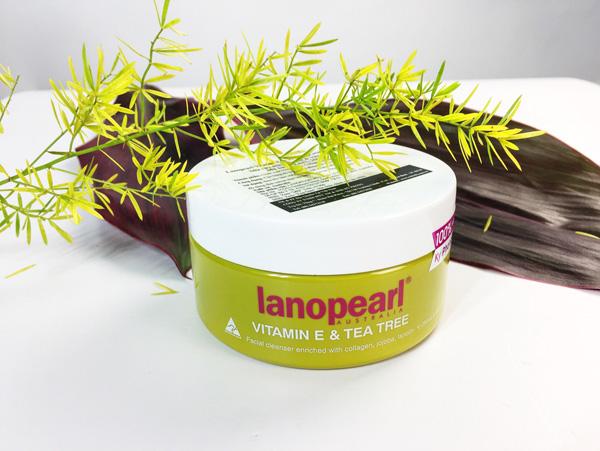 Image result for Sữa rửa mặt tinh chất trà xanh vitamin E Lanopearl
